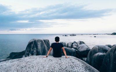 Зазнаючи невдачі в спробах бути кимось іншим, я навчаюсь бути собою