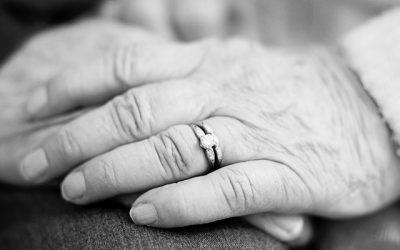 Мормонський фотограф показала 609 років вічного кохання