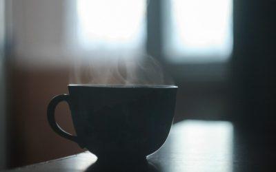 """Нове дослідження підтверджує: """"Гарячі напої"""" не корисні для вашого тіла (але не через кофеїн)"""