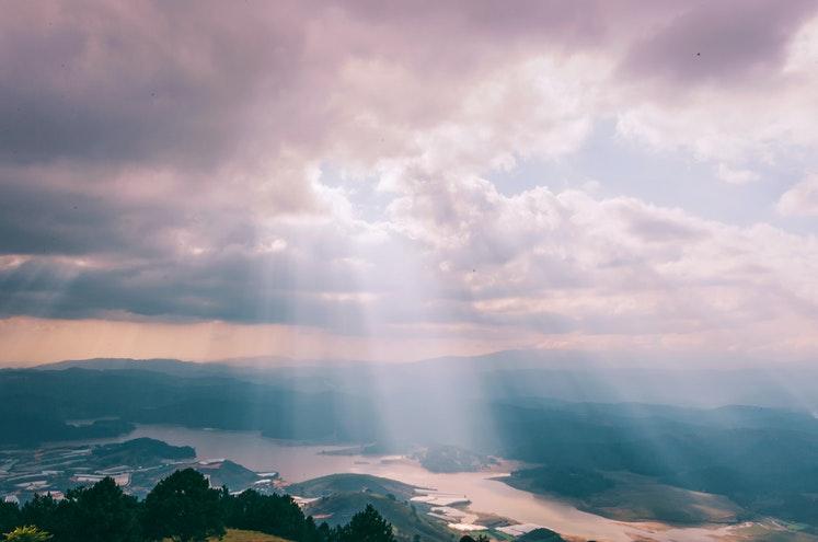 ЩО РОБИТЬ НАС ГІДНИМИ В ОЧАХ НЕБЕСНОГО БАТЬКА